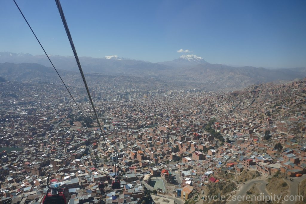 Descendo do El Alto a la Paz.